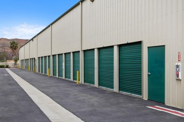 Drive up self storage units in Corona, CA.