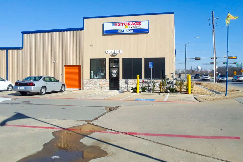 self storage denton exterior