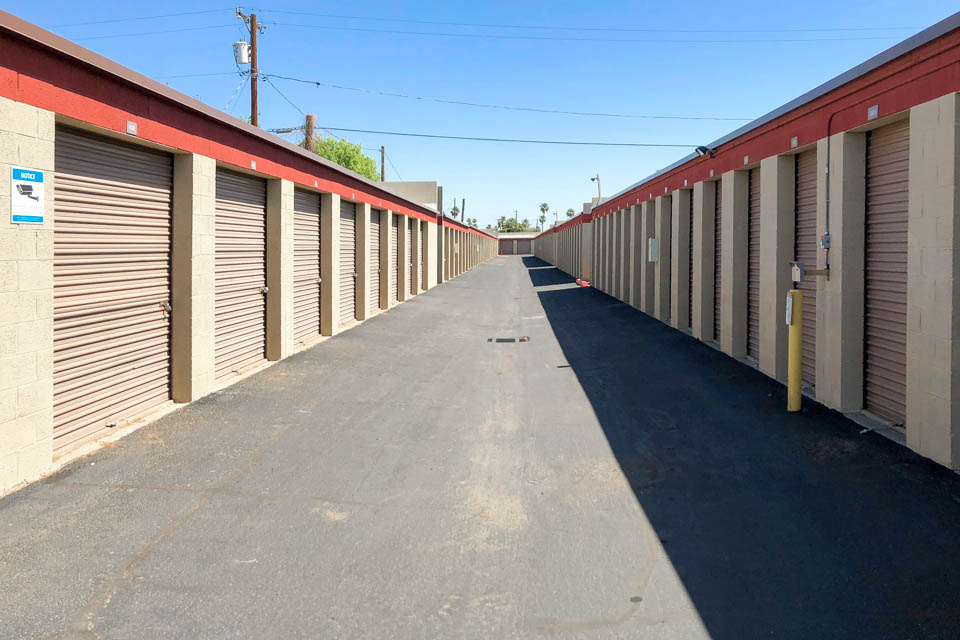 10 Cheap Storage Units Near You in Glendale AZ | US Storage Centers u2013 4616 NW Grand Ave. & 10 Cheap Storage Units Near You in Glendale AZ | US Storage Centers ...