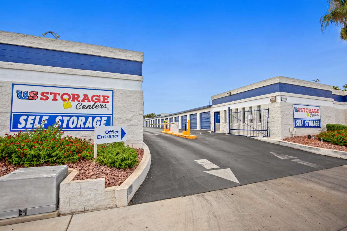 self storage facility las vegas nevada n mojave exterior