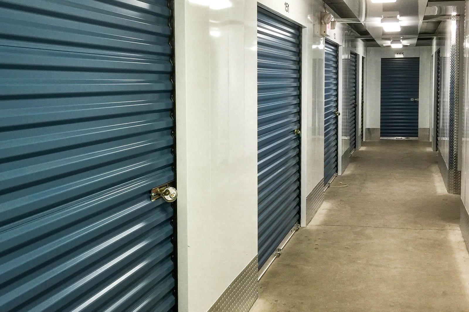 Self Storage Facility at 1201 East Cinnabar Avenue - image 1