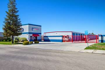 Self Storage Facility in Bakersfield, CA - image 1