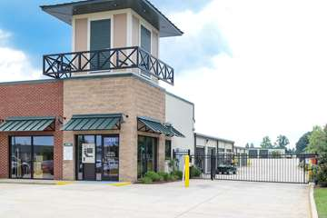 Self Storage Facility in Clarksville, TN - image 1