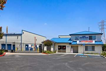 Self Storage Facility in Hawthorne, NY - image 1