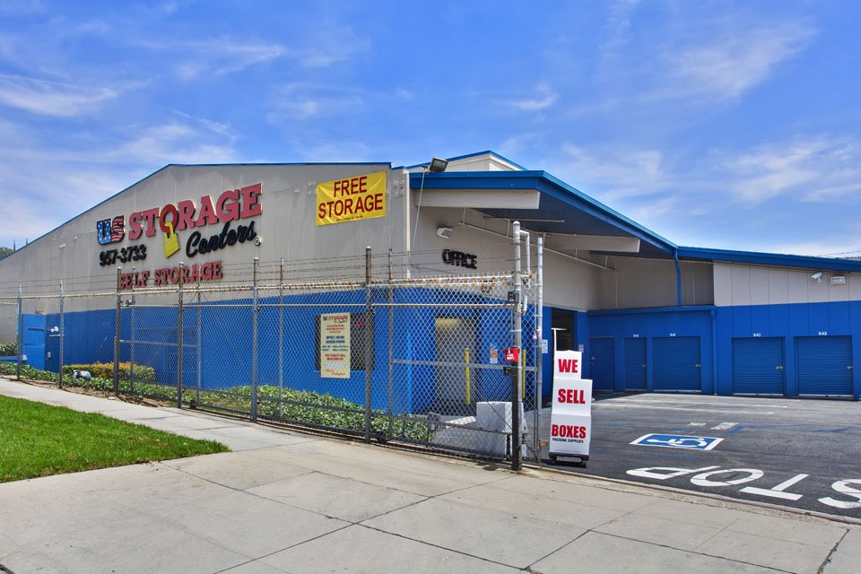 Self Storage Facility in Montrose, CA - image 9